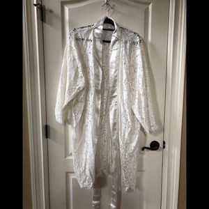 The Knot, white lace robe - brand new